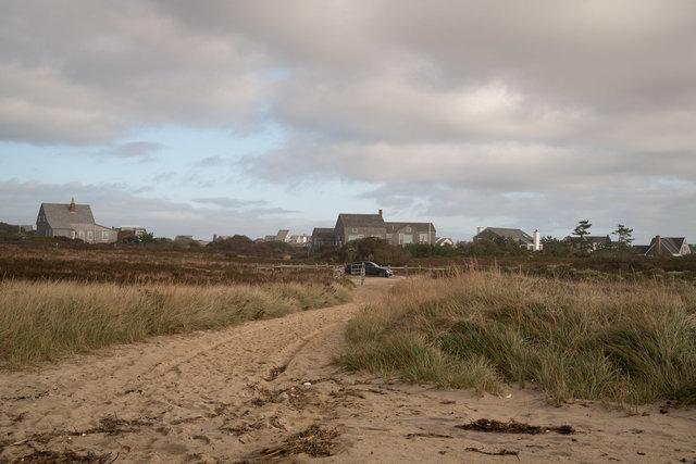 Nantucket-beach-car1.jpg