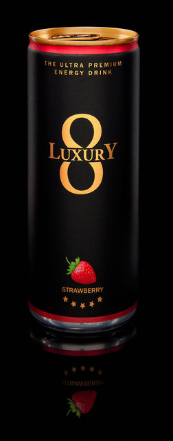 LUX_1803_UPED_BLACK_STRAWBERRY.jpg