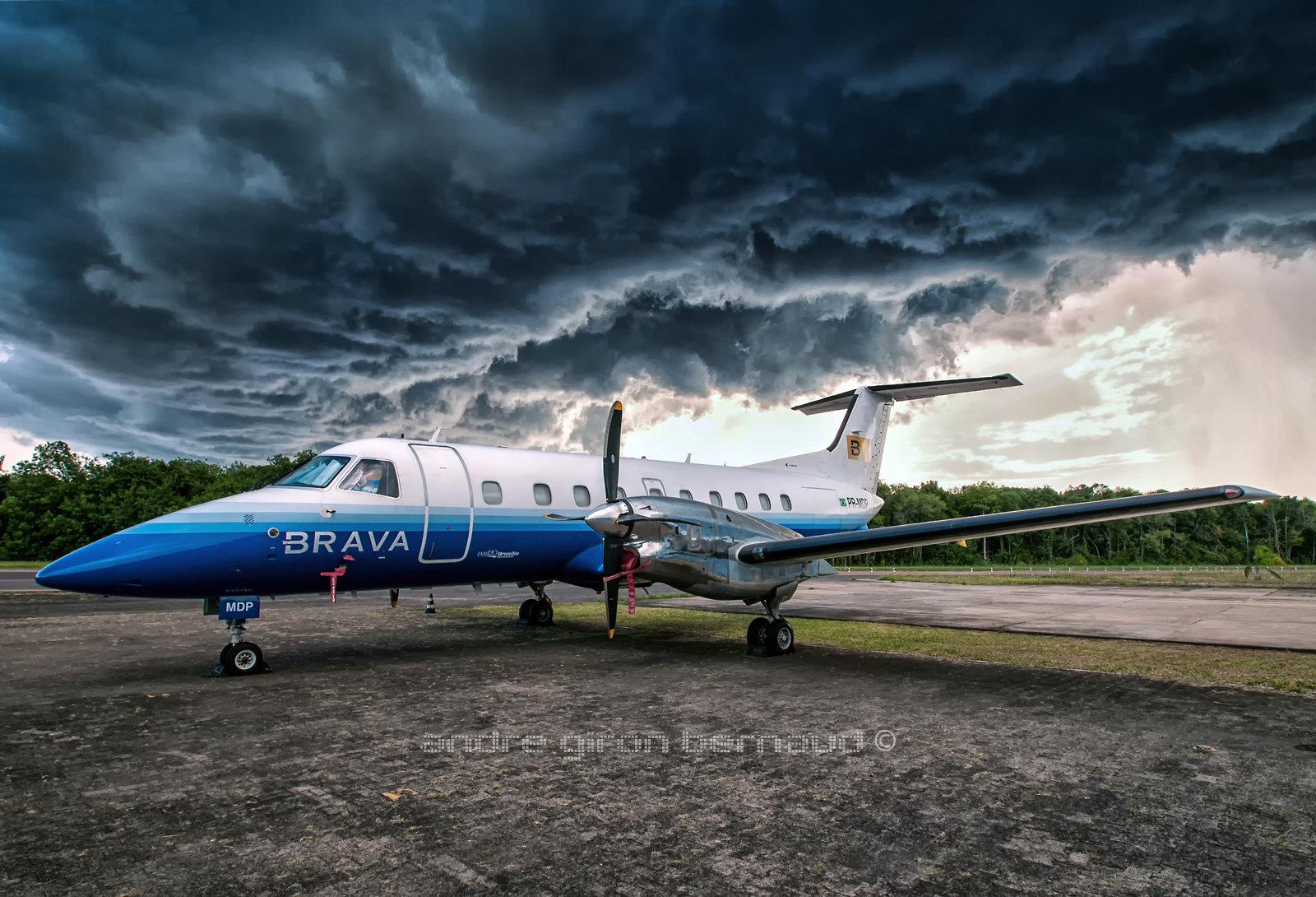 Embraer EMB-120ER Brava Linhas Aéreas PR-MDP