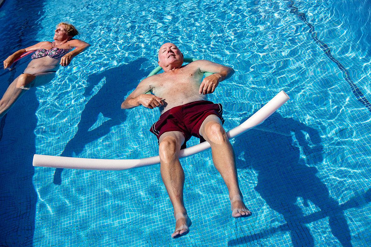 Floating - pool.jpg