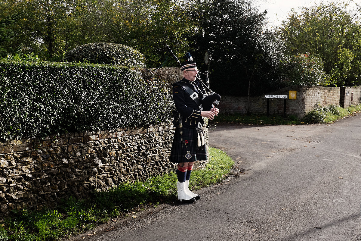 Scottish Piper w.jpg