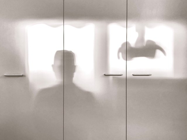 Schattenspiel in lichtdurchfluteter Praxis ✓