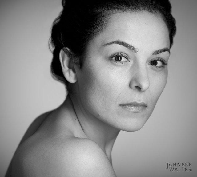 naaktfoto vrouw © Janneke Walter, fotograaf Utrecht De Bilt, portretfotograaf, portret, portretfotografie