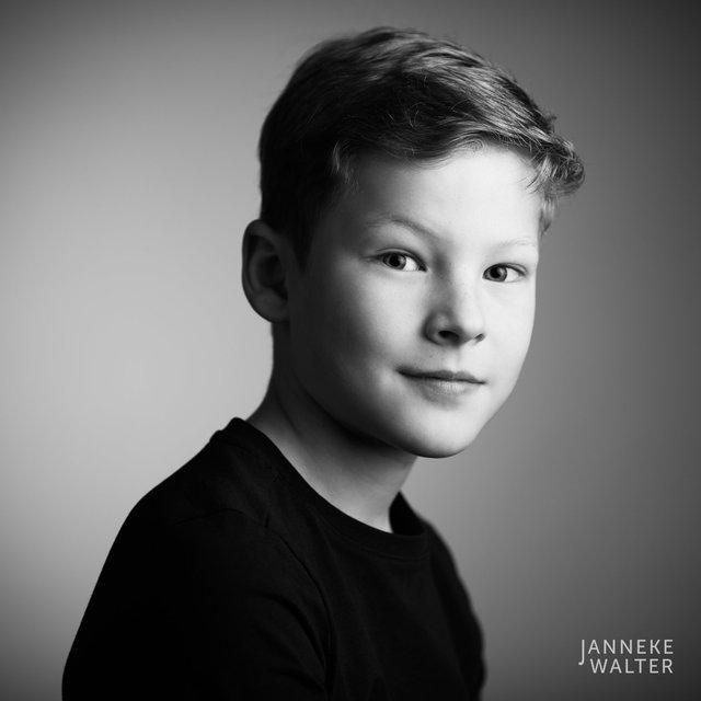 Portretfoto jongen @ Janneke Walter, kinderfotograaf Utrecht De Bilt, kinderfotografie, kinderportret, fine art fotografie