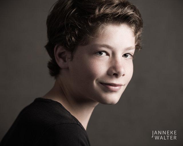 Fine art portretfoto jongen @ Janneke Walter, kinderfotograaf Utrecht De Bilt, kinderfotografie, kinderportret, fine art fotografie