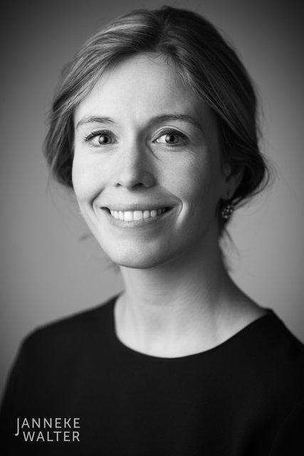 zakelijke portretfoto profielfoto vrouw 9 © Janneke Walter, portretfotograaf Utrecht, De Bilt, portretfotografie, sociale media, LinkedIn, CV