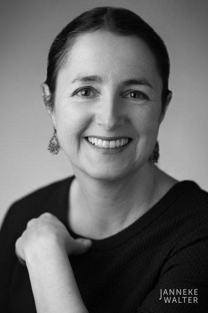 zakelijke portretfoto profielfoto vrouw 6 © Janneke Walter, portretfotograaf Utrecht, De Bilt, portretfotografie, sociale media, LinkedIn, CV
