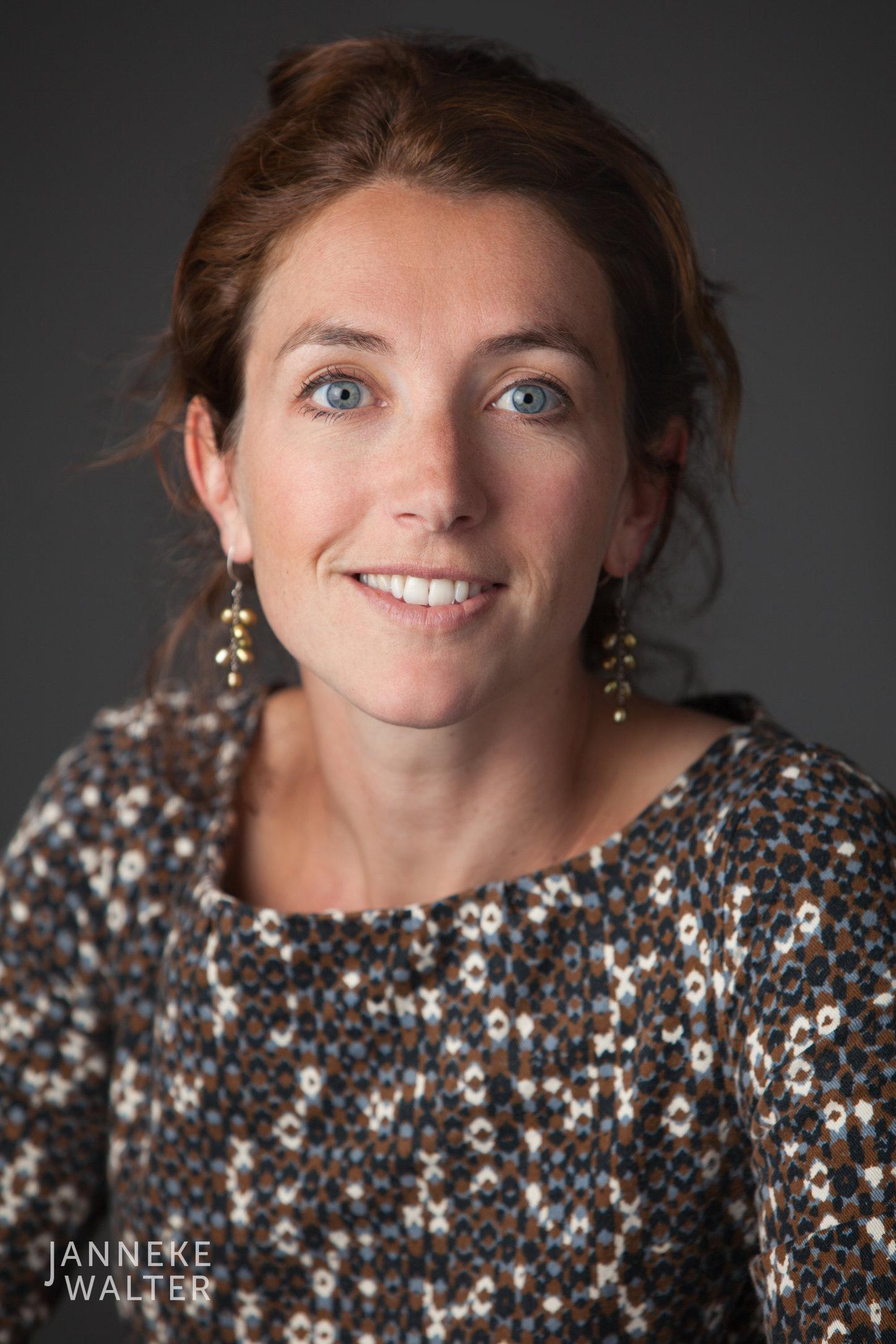zakelijke portretfoto profielfoto vrouw 3 © Janneke Walter, portretfotograaf Utrecht, De Bilt, portretfotografie, sociale media, LinkedIn, CV