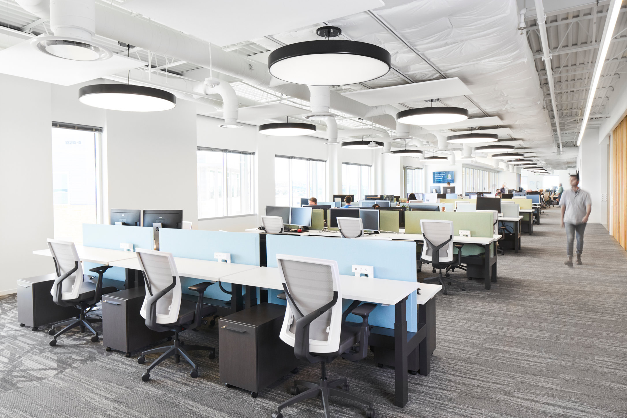 workspace02.jpg