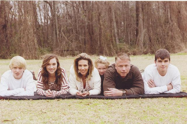 THOMAS family - MODERN FAMILY  Chad, Heather, Christine, Audrey, Mike, Jordan