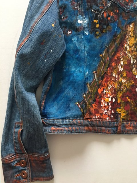 Jeans Jacket - Back Side - Autumn (Detail)