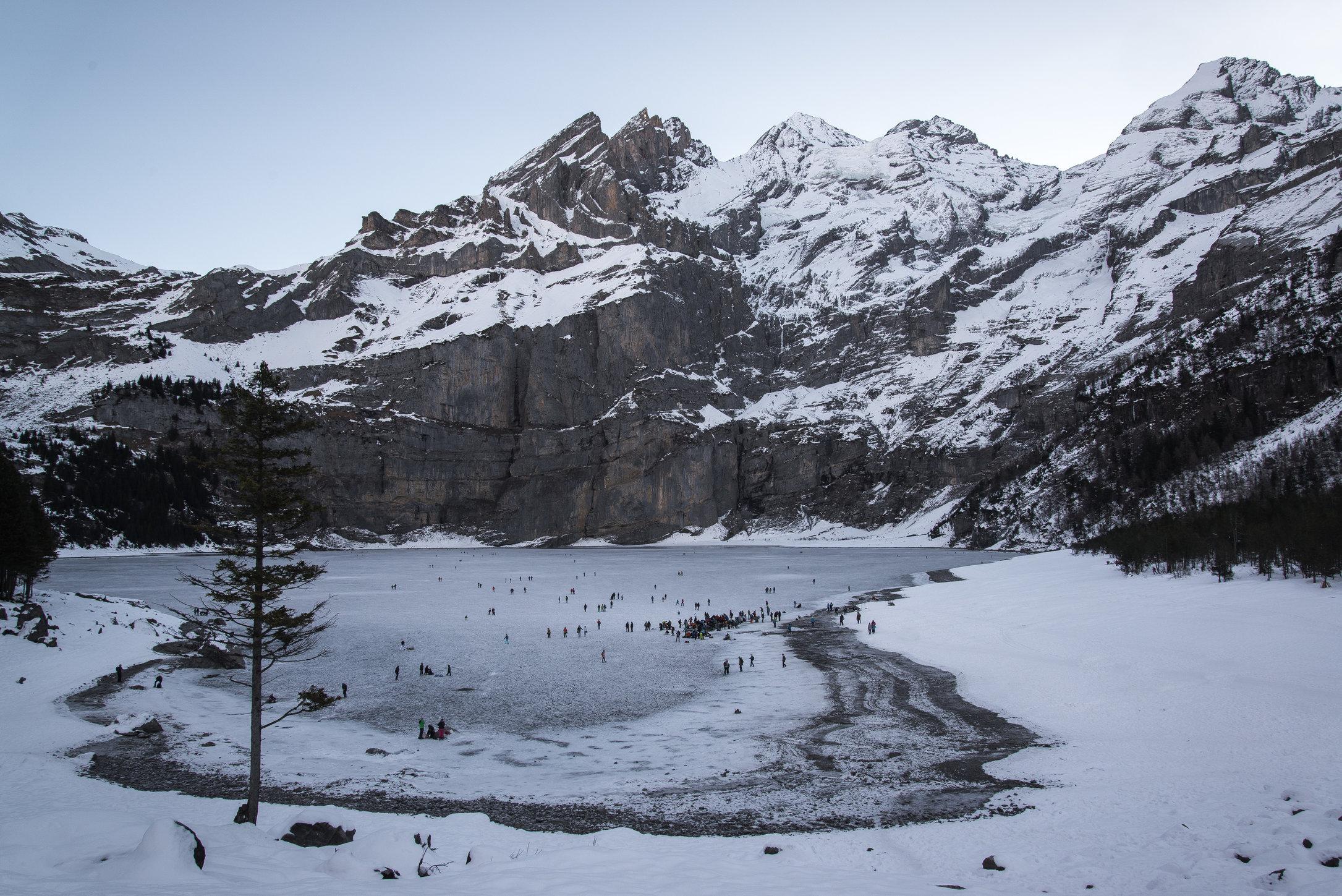 Schwarzes Eis Oeschinensee