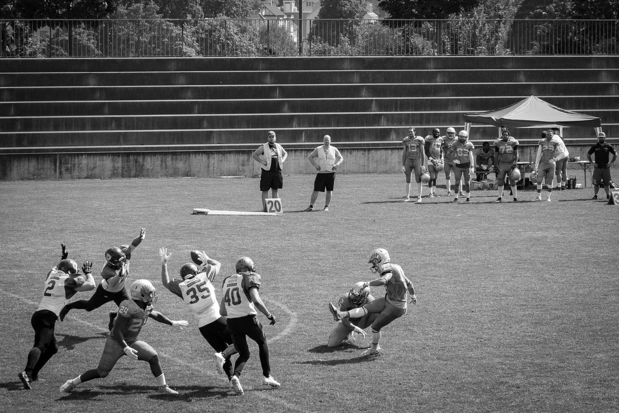 Kick it like Janikowski