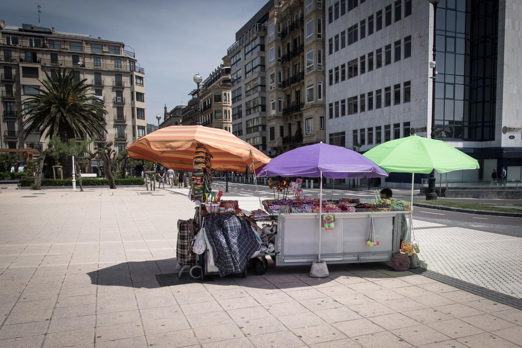 Strassenverkäufer in Donostia