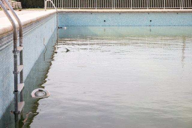 web zwembad (1 van 1) kopie.jpg