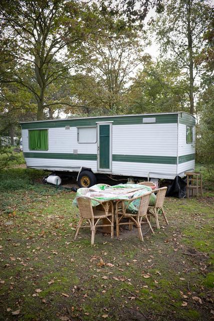 x_x_De Camping_01.jpg