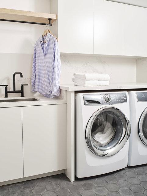 580Hill_022220_Laundry_01.jpg