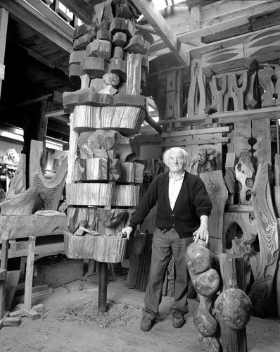 Ernest David, sculpteur sur bois, Saint Brieuc, 1999