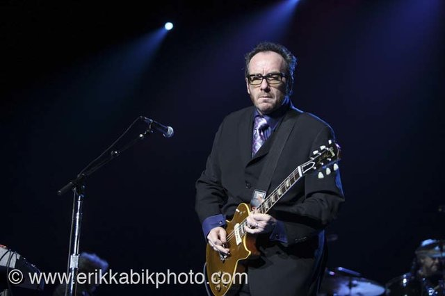 elvis_costello_5_23_08-30.jpg
