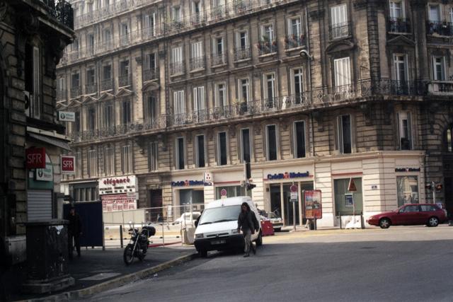rue_de_la_république_marseille00.jpg
