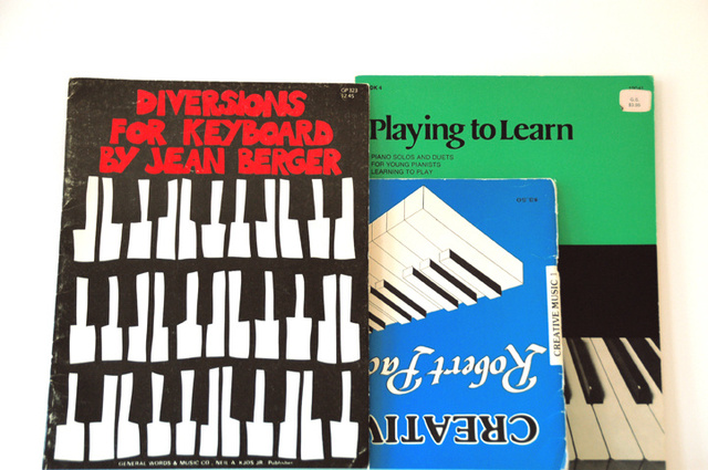 Piano learning aids