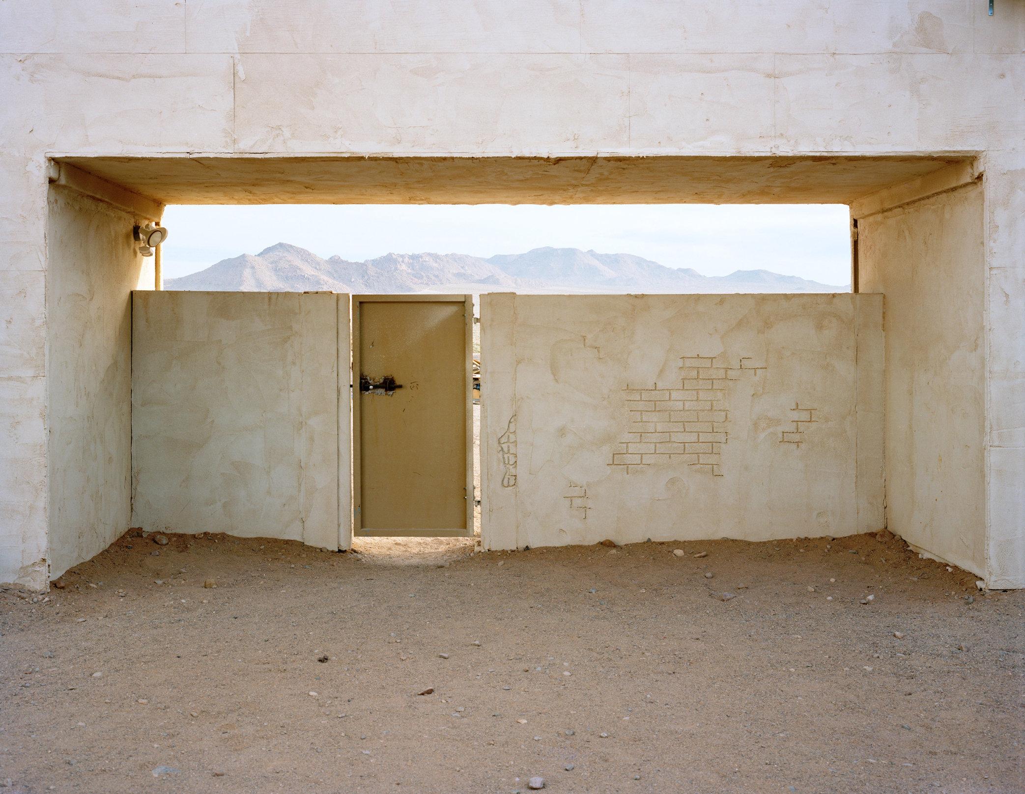 03_Beckett_Medina_Gate.jpg