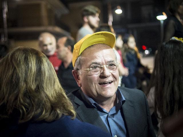 40. Renato Natale durante l'ultimo comizio prima del ballottaggio
