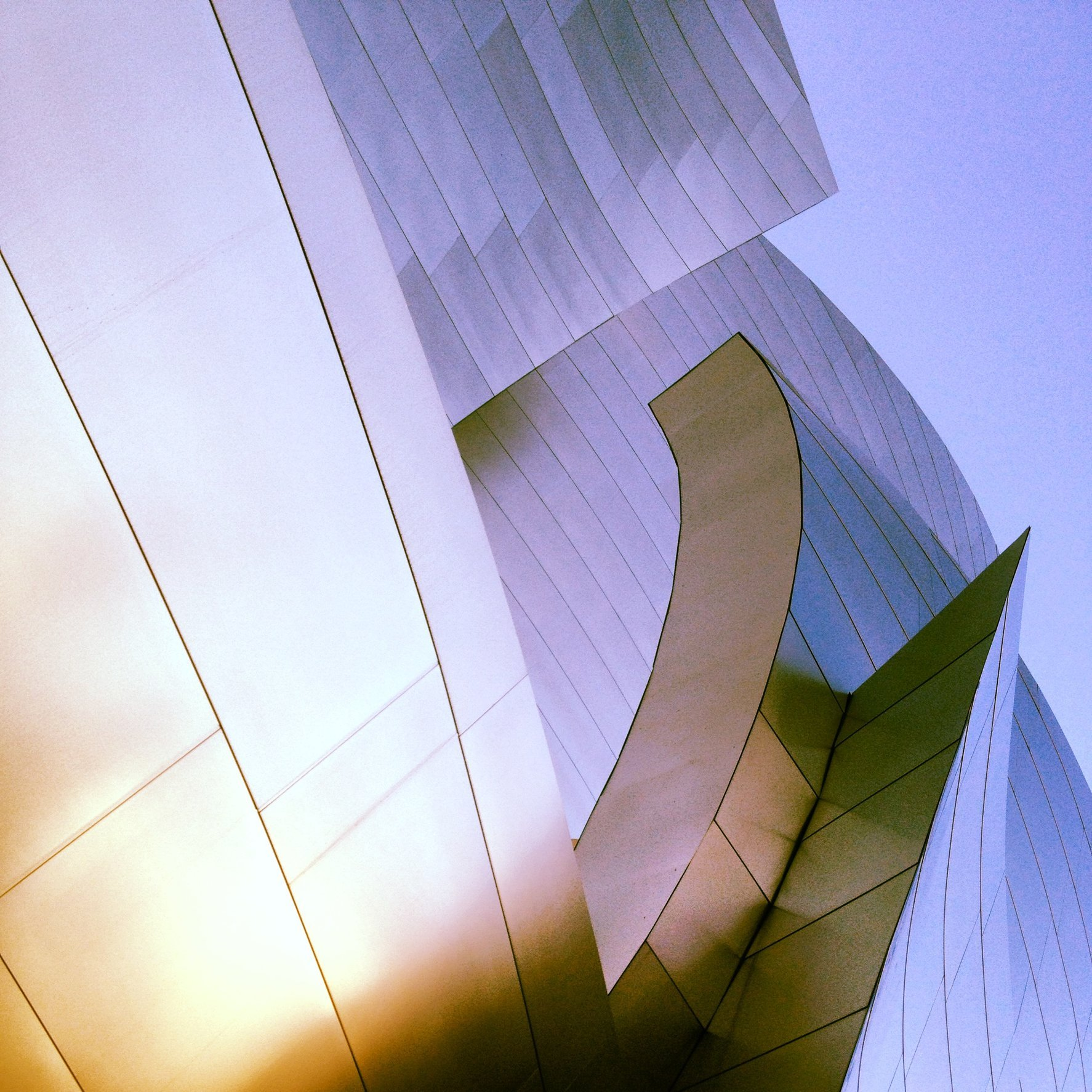 WALT DISNEY CONCERT HALL - GOLD 4
