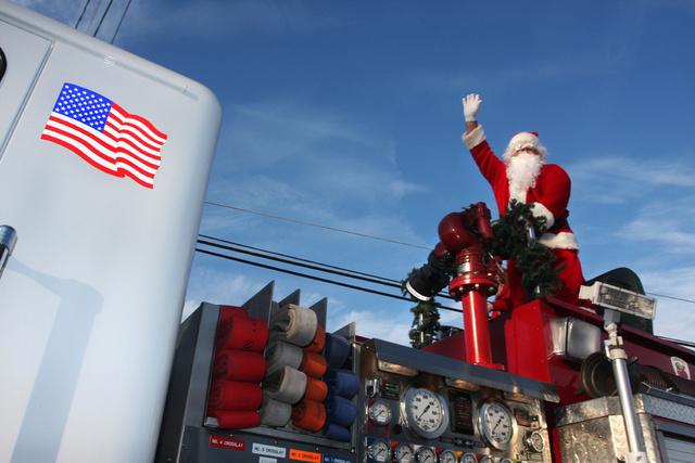 Christmas Parade - Eureka NC