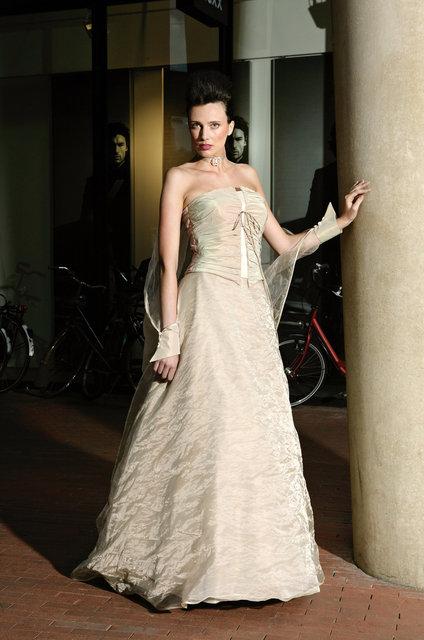 flirt jurk apart zuil retouched viewbook.jpg