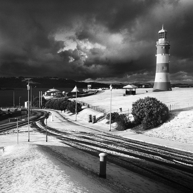 Plymouth_Hoe_Snow_RDM201210A.jpg