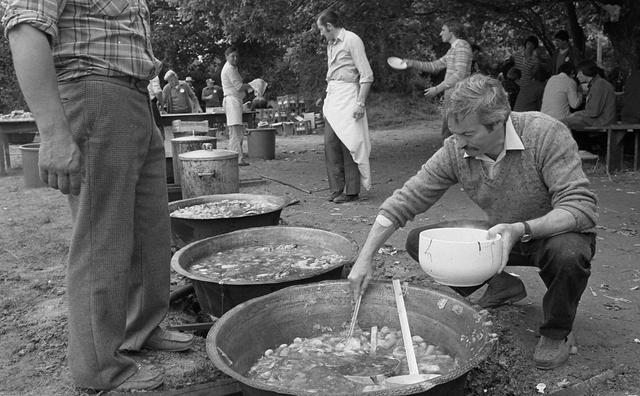 """Fest er Blead"", fête des moissons, Ploëmel, Morbihan, 1979"