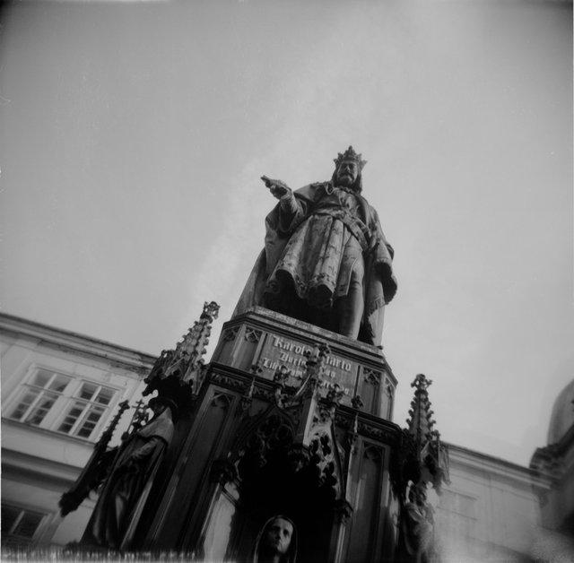 Portfolio Slide show 4 King statue