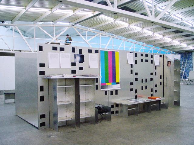 Structure Multifonctions / Erwan Maheo, Programa Art Center, Mexico City, mars 2003.