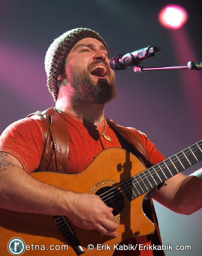 3_13_10_B_zac_brown_live_kabik-172-48.jpg