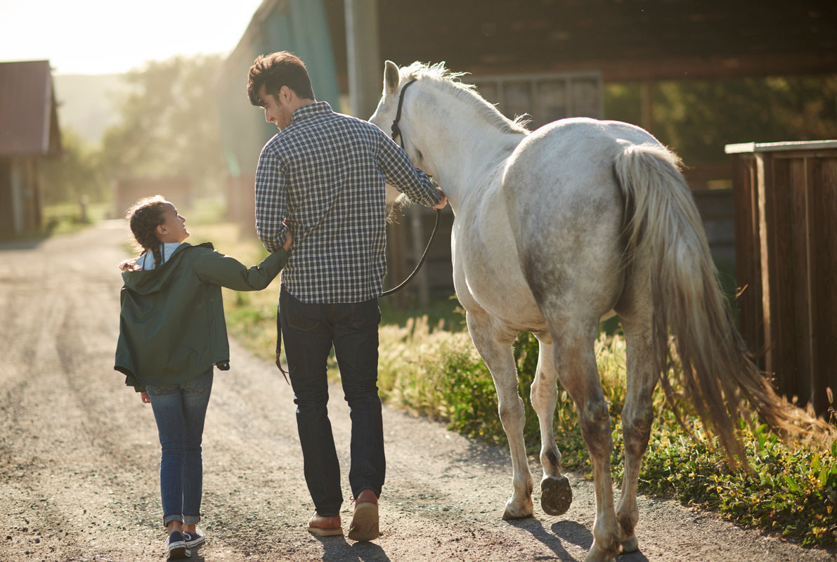 08_DAD_DAUGHTER_HORSE_0252.jpg