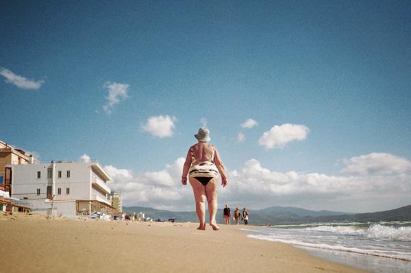 she lovely- beach-wb.jpg