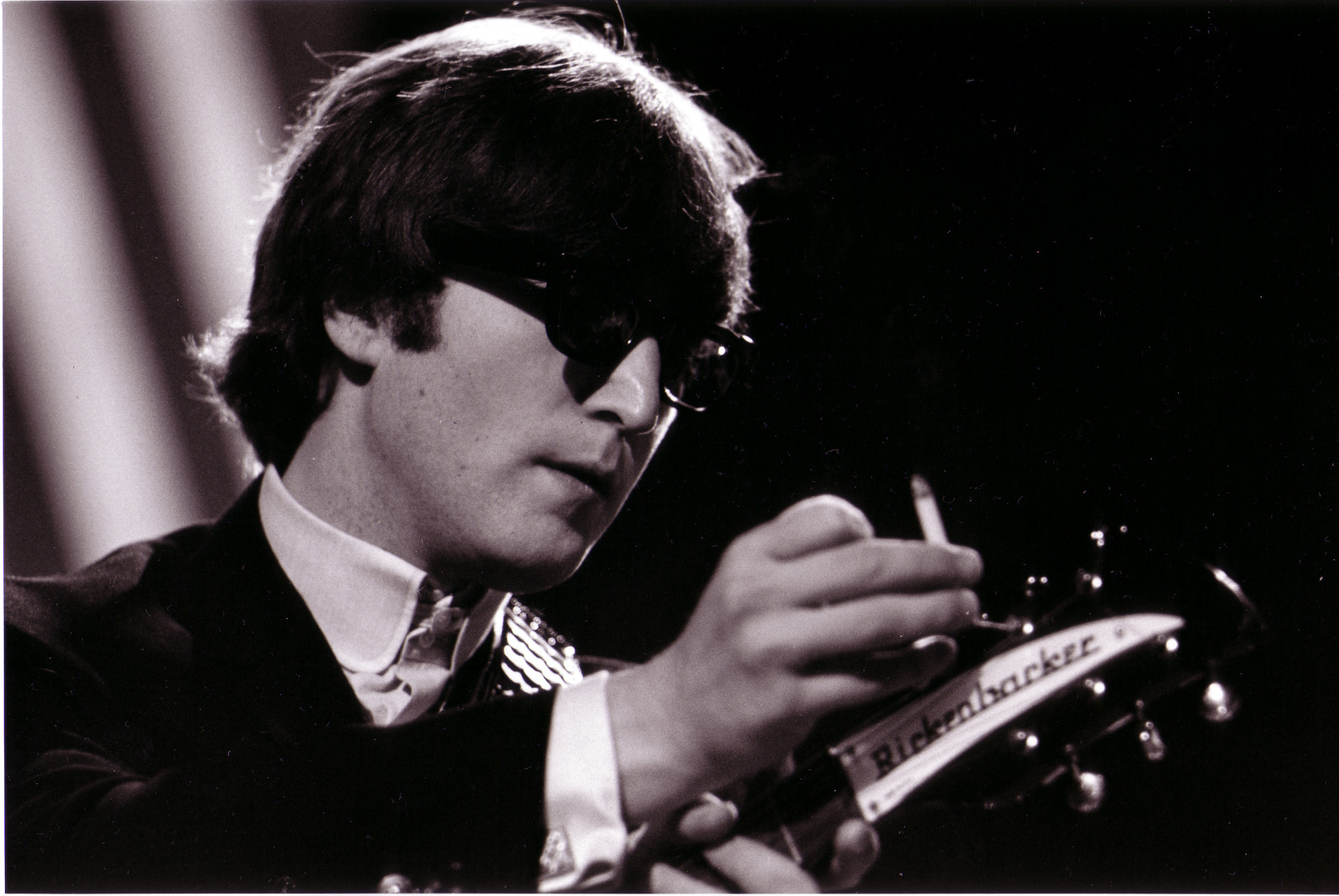 Me & My Rickenbacker, Lennon, Teddington, 1965