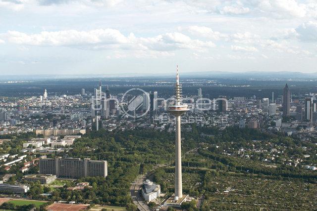 Ginnheimer Fernsehturm und Skyline Frankfurt