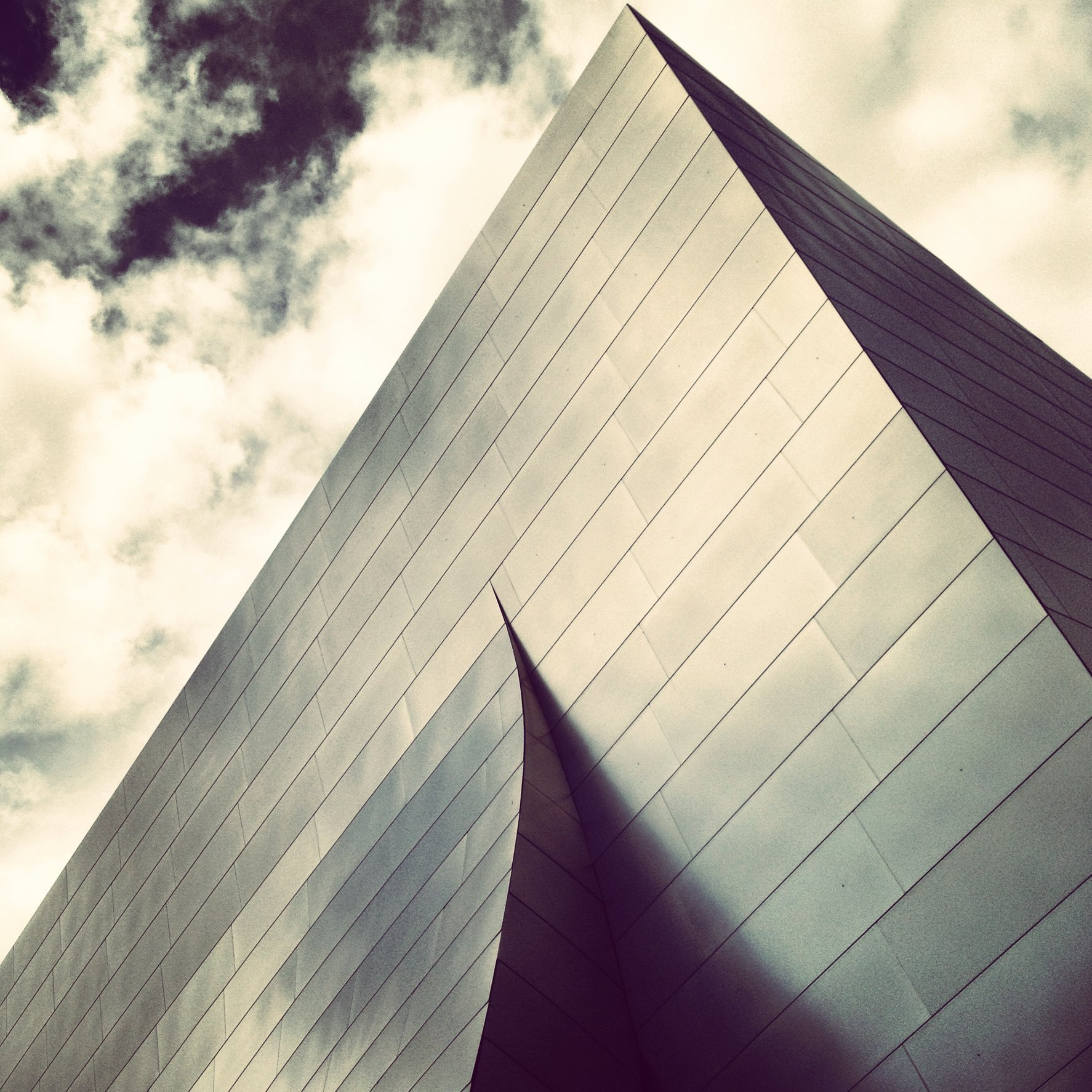 WALT DISNEY CONCERT HALL - B&W 9