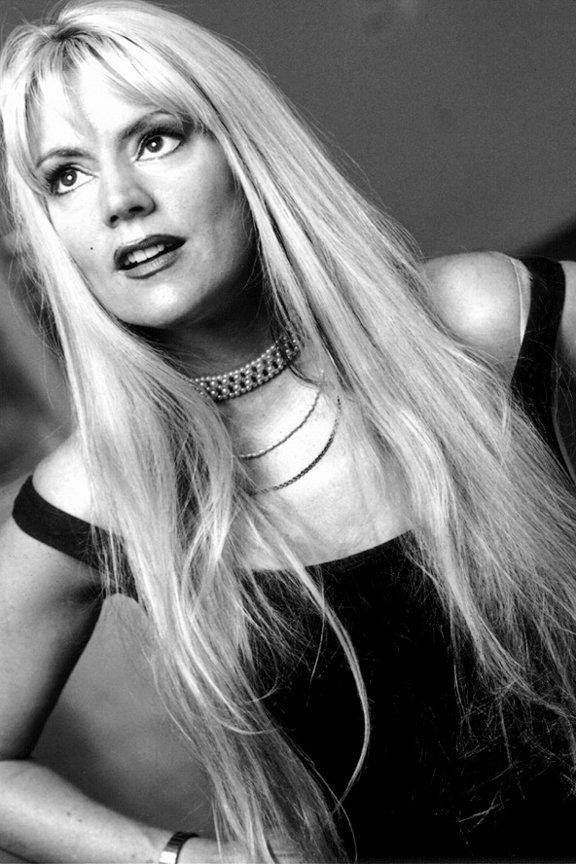 Phoebe Legere