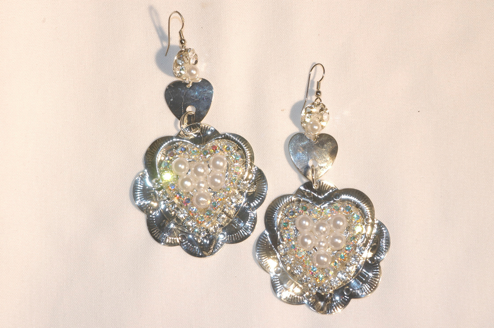 THIS STYLE OF SILVER AND PEARLS WERE WORN BY KIMBERLY AIKEN-MISS AMERICA.