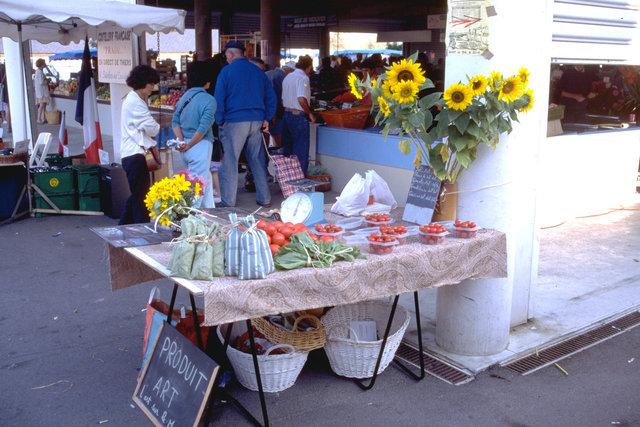 Vente de Produits-Art, 1995. Marché de La Turballe.