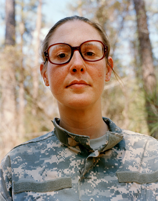009_claire_beckett_glasses_girl_camouflage.jpg
