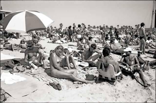 SantaMonica Beach 8-86tone.jpg
