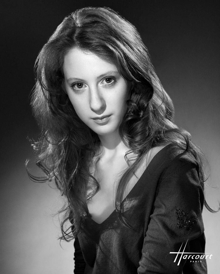 Roxanne DURAN