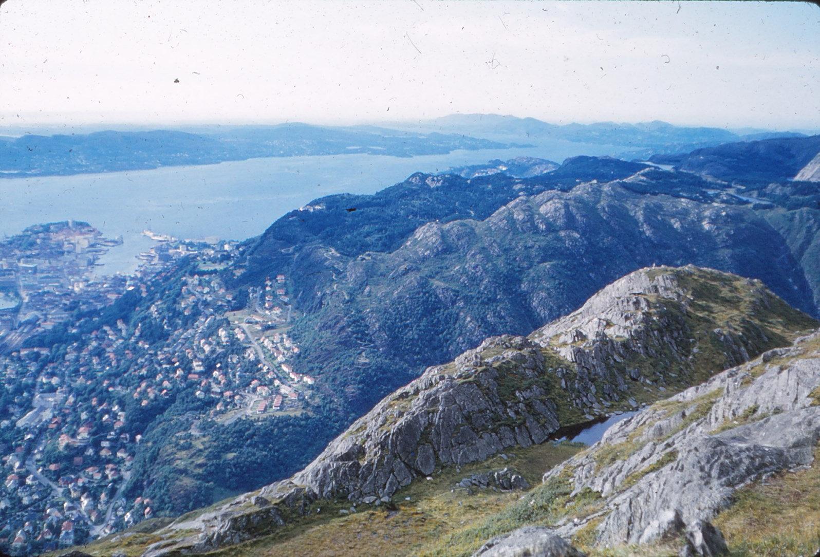 1196 (7) Boven Bergen (via Ulrike Svevebaan) G