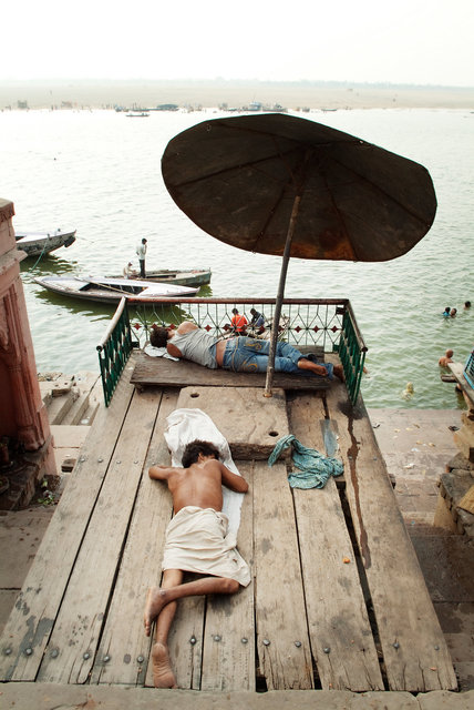 Sleeping on the Ganges I