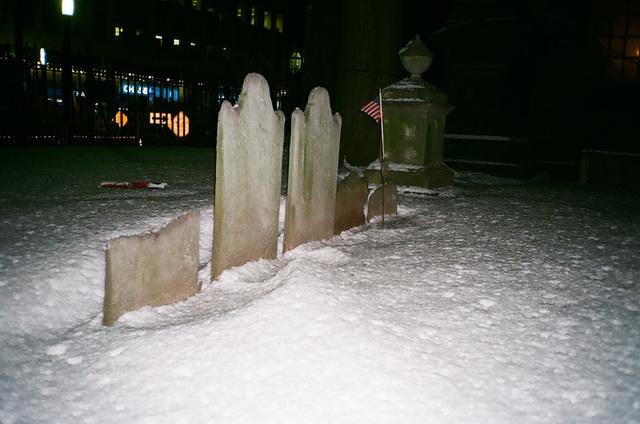 neige sur les tombes - NYC.jpg