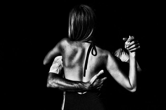 Tango (1).jpg
